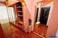 Agentia Imobiliara Familia va prezinta oferta de vanzare a unui apartament cu 2 camere decomandat situat in Galati, cartier Micro 20