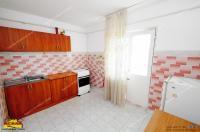 Agentia imobiliara AcasA va propune spre cumparare un apartament cu trei camere decomandate situat in Galati, cartier Micro 14