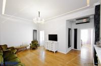Vanzare apartament excusivist cu 3 camere in Galati, Centru, sup. 80 mp