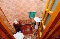 Agentia Imobiliara Familia va propune spre cumparare un apartament cu 4 camere situat in Galati, cartier Piata Centrala, zona Baia Comunala