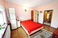 Agentia imobiliara Familia va prezinta oferta de vanzare a unei case cochete situata in Galati, zona Port.