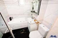 Agentia Imobiliara DELUXE va prezintă oferta de inchiriere EXCLUSIVA  a unui apartament decomandat cu 2 camere situat in Galati, zona Micro 20
