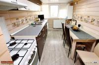Agentia imobiliara LOYAL HOUSE va prezenta oferta de vanzare a unui apartament cu 2 camere semidecomandate situat in Galati, Micro 21