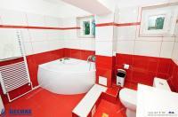 Agentia Imobiliara DELUXE va prezinta oferta de vanzare EXCLUSIVA, a unui apartament cu 3 camere decomandate situat in Galati, cartier IC Frimu, str.Nae Leonard