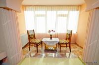 Agentia Imobiliara Familia va propune spre vanzare un apartament decomandat cu 2 camere situat in Galati, cartier Micro 20, zona