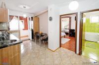 Agentia Imobiliara Familia va prezinta spre vanzare un apartament de tip mansarda cu 2 camere decomandat situat in Galati, cartier Micro 21, in apropiere de Scoala nr. 3