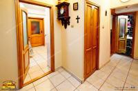 oferta de vanzare din baza Agentiei imobiliare AcasA consta intr-un apartament decomandat cu doua camere localizat in Galati, la rondoul General