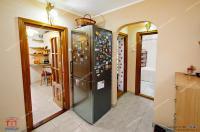 Va prezentam oferta de vanzare a unui apartament decomandat cu doua camere situat in Galati, Micro 17,aproape de Restaurantul Atlantic