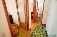Agentia Imobiliara Familia va prezinta spre vanzare un apartament decomandat cu 3 camere situat in Galati, zona Micro 21