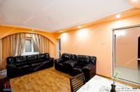Agentia Imobiliara Familia va prezinta oferta de vanzare a unui apartament decomandat cu 3 camere situat in Galati, zona Micro 21