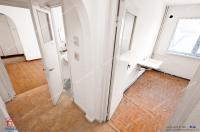 Agentia Imobiliara Familia va propune spre vanzare un apartament cu 4 camere semidecomandat in Galati, cartier Micro 40, zona Posta
