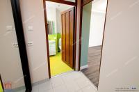 Agentia Imobiliara Familia va prezinta spre cumparare un apartament decomandat cu 2 camere situat in Galati, zona Centrala