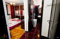 Proactiv Imobiliare va propune spre cumparare un apartament semidecomandat cu 2 camere situat in zona centrala a orasului Galati