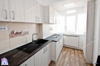 Agentia IMOBILIS va propune spre cumparare un apartament decomandat cu 2 camere situat in Galati, cartier Mazepa 2 (zona Tribunal)