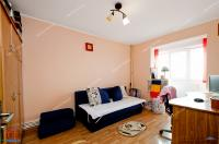 Agentia imobiliara Familia  va  ofera spre cumparare un apartament  decomandat cu 2 camere situat in Galati, zona Mazepa 2, aproape de parcul de joaca VIVA