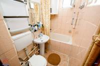 Agentia Imobiliara Familia va prezinta spre cumparare un apartament semidecomandat cu 2 camere situat in Galati, cartier Micro 19, zona Parma