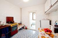 Va prezint oferta de vanzare a unui apartament decomandat cu 2 camere situat in Galati, zona Piata Mare