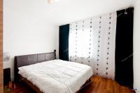 Proactiv Imobiliare va propune spre cumparare un apartament decomandat cu 3 camere situat in Galati, cartier Micro 14