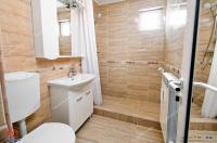 Agentia Imobiliara Familia va prezinta in EXCLUSIVITATE oferta  de vanzare a  unui apartament decomandat cu 2 camere situat in Galati, zona Micro 20