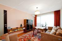 Agentia Imobiliara Familia va prezinta spre cumparare un apartament decomandat cu 3 camere situat in Galati, Mazepa 1