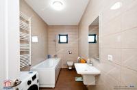 Ceva special pentru fanii locuintelor pe un singur nivel: o vila frumoasa de vanzare in Galati, cartier Arcasilor