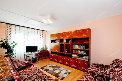 Va prezentam oferta de vanzare a unui apartament decomandat cu 3 camere situat in Galati, cartier Micro 21, zona Scoala nr.3