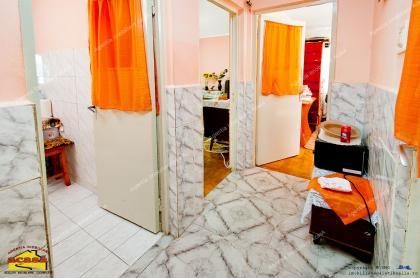 Agentia imobiliara AcasA va propune spre cumparare un apartament cu 2 camere decomandate situat in Galati, cartier Micro 19