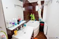 Agentia Imobiliara Familia va ofera spre cumparare un apartament decomandat cu 2 camere situat in Galati, zona Stadionul Otelul