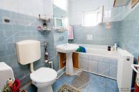 Proactiv Imobiliare va propune spre cumparare un apartament decomandat cu 3 camere situat in Galati, cartier IC Frimu