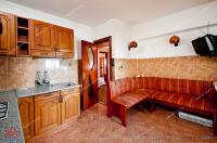 Agentia Imobiliara Familia va prezinta spre cumparare  un apartament decomandat cu 4 camere situat in Galati, cartier Micro 21