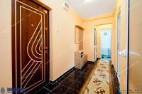 Agentia Imobiliara DELUXE va prezintă oferta de vanzare a unui apartament decomandat cu 2 camere situat in Galati, zona Micro 21