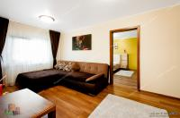 Vanzare apartament cu 5 camere in Galati, Doja, parter, 100 mp, renovat modern, centrala