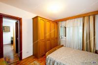 Proactiv Imobiliare va ofera spre inchiriere un apartament cu 3 camere decomandat situat in Galati, cartierul Tiglina 1, foarte aproape de Faleza Dunarii