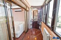 Va propunem spre inchiriere un apartament cu doua camere complet mobilat si utilat de lux, situat in zona centrala a orasului Galati, cartier Tiglina 2, in apropierea Tribunalului
