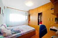 Proactiv Imobiliare va aduce la cunostinta oferta de vanzare a unui apartament decomandat cu 2 camere situat in Galati, cartier Micro 19