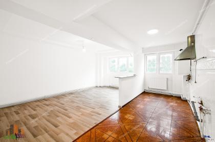 apartament cu 3 camere decomandate situat in Galati, Cartier Micro 20