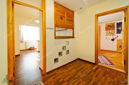 oferta de vanzare a unui apartament decomandat cu 2 camere situat in Galati, pe strada Gheorghe Doja