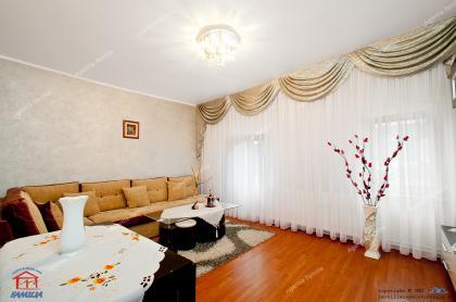 casa  pe un singur nivel situata in Galati, aproape de Gradina Publica, pe strada Elena Doamna