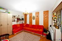 Agentia Imobiliara Familia va ofera in EXCLUSIVITATE oportunitatea cumpararii unui apartament decomandat cu 2 camere  situat in Galati, cartier Micro 20, intr-o zona cu vad stradal.