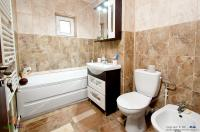 oferta de vanzare a unui apartament decomandat cu 2 camere situat in Galati, zona Piata Centrala