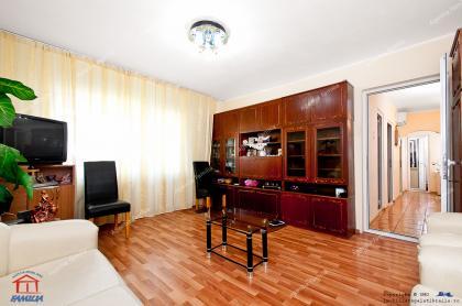 apartament cu 3 camere decomandat situat in Galati, in cartierul Micro 39B