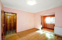 oferta de vanzare a unui apartament cu 3 camere decomandat situat in Galati, Cartier Siderurgistilor, zona Doja