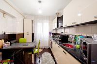 apartament decomandat cu 3 camere situat în Galati, cartier Micro 17