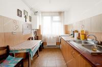 apartament semidecomandat cu 3 camere de vanzare in Galati, Micro 17