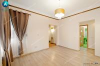 oferta de vanzare a unui apartament cu 3 camere decomandate aflat in zona centrala a orasului Galati