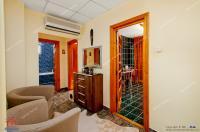 oferta de vanzare a unui apartament decomandat cu 3 camere situat in Galati, etaj 6, pe str. Traian